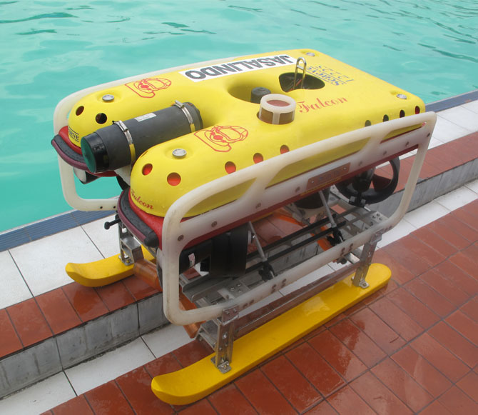 Remotely Operated Vehicle(ROV)